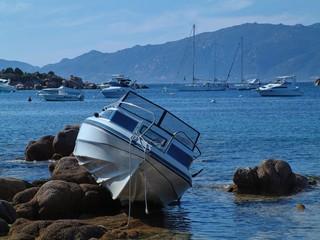 Acrylic Prints Shipwreck le calme après la tempête