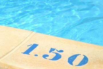 bord de piscine net