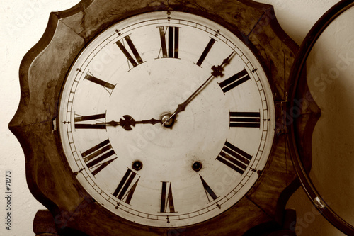 horloge ancienne photo libre de droits sur la banque d 39 images image 91973. Black Bedroom Furniture Sets. Home Design Ideas