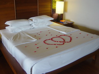 honeymoon hotel room