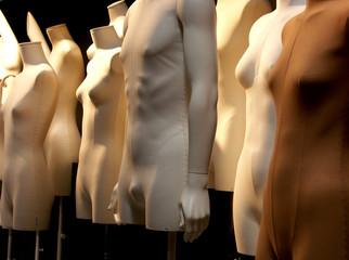 mannequins en groupe