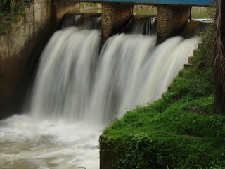 Barrage dam