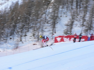 skieur en plein vol