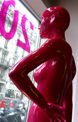 mannequin rouge