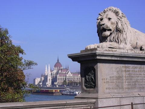 lion et parlement