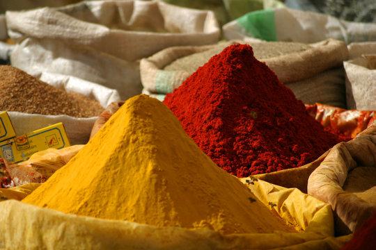 épices colorées