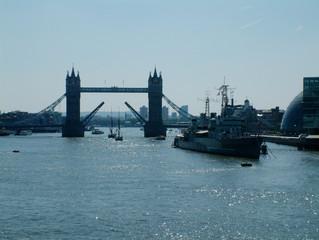 tower bridge geöffnet