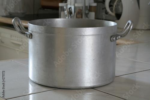 casserole fait tout photo libre de droits sur la banque d 39 images image 271572. Black Bedroom Furniture Sets. Home Design Ideas