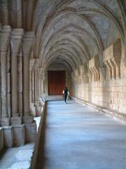 moine dans abbaye