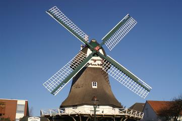 Spoed Fotobehang Molens windmühle im querformat