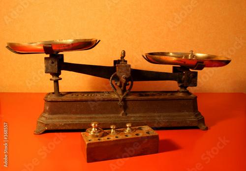 balance roberval photo libre de droits sur la banque d 39 images image 368557. Black Bedroom Furniture Sets. Home Design Ideas