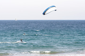 kitesurfing , surf con parapente