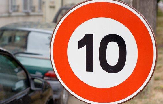 panneau de signalisation 10 km/h