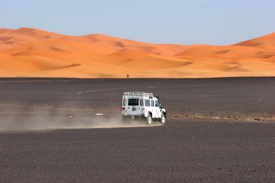 4wd in the sahara