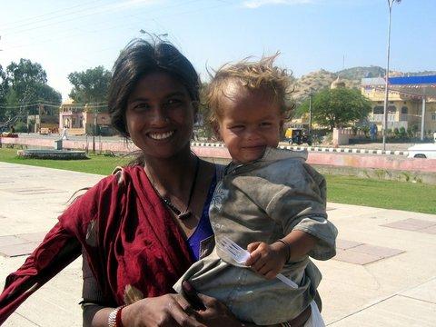 femme et son enfant jaipur