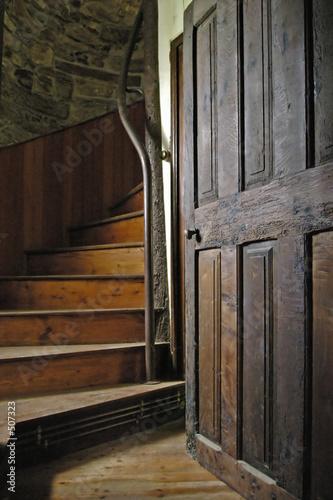 vieil escalier photo libre de droits sur la banque d 39 images image 507323. Black Bedroom Furniture Sets. Home Design Ideas