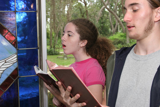 singing hymns in church 2