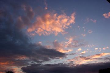 nuage au soleil couchant