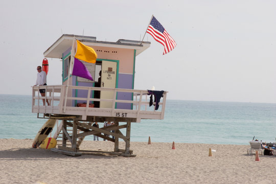 lifeguard stand miami