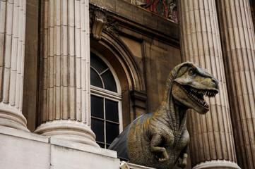 france, paris: palais de la decouverte, dinosaur