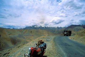 traversé des montagne en moto