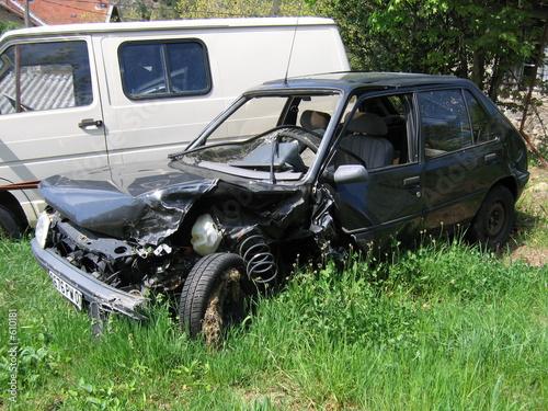 la voiture accident e photo libre de droits sur la banque d 39 images image 610181. Black Bedroom Furniture Sets. Home Design Ideas