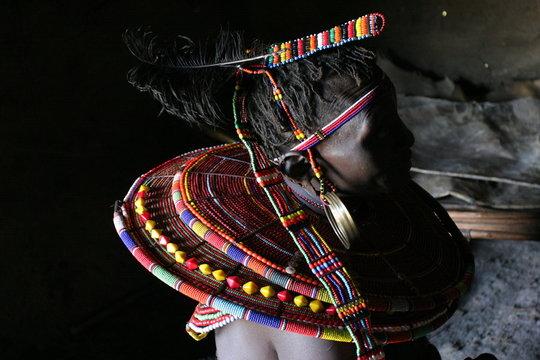 parure de femme samburu
