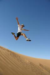 saut dans le désert