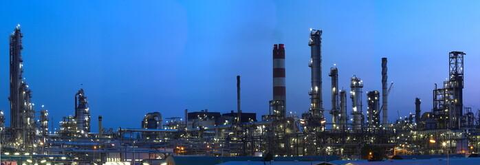 Foto auf Acrylglas Industriegebaude industry by night