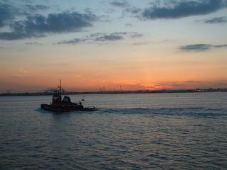 schiff im hafen von new york