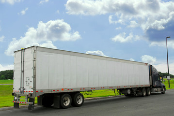 eighteen wheeler truck