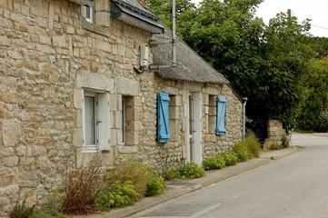maison bretonne et rue