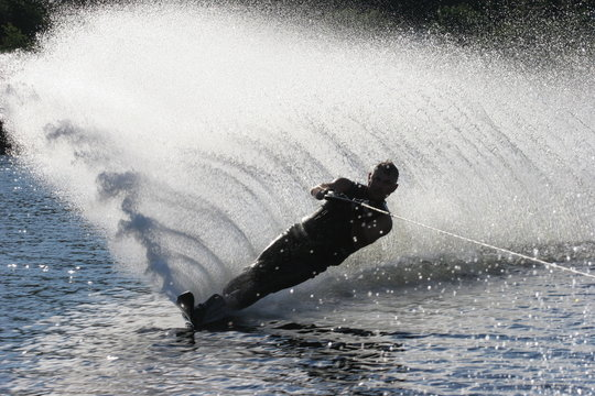 ski silhouette