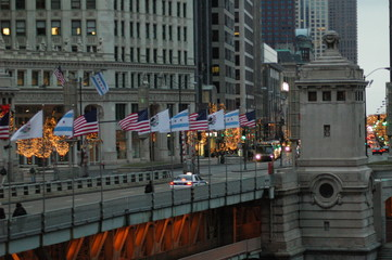 chicago, bridge over the illinois