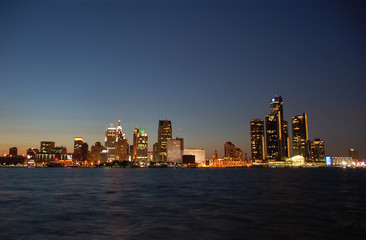 night skyline of downtown detroit