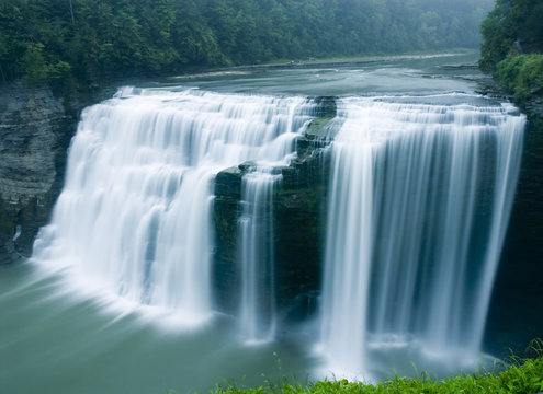 middle falls, genesee river, letchworth state park, new york