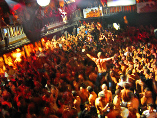 foule en discothèque