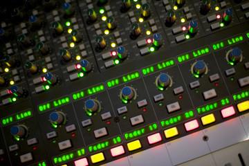 mesa estudio grabación