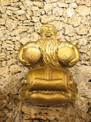 golden statue that brings luck