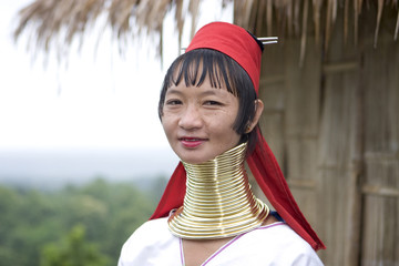 langhalsfrau in nordthailand