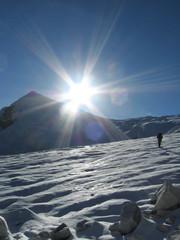 sun in the mountain