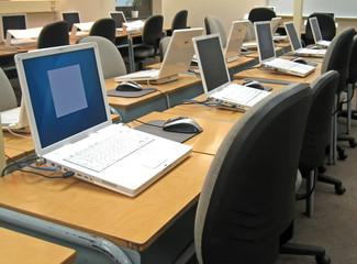 school computer lab 3