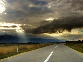 highway in to the horizon