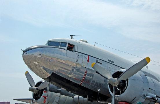 historic dc-3 airplane