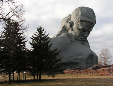 the main monument of brest fortress memorial