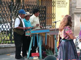 musiciens sur le marché de xela