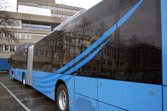 articulated bus sideview