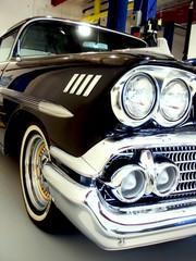 Fototapete - classic black 50s american car