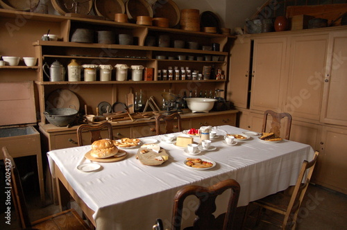 Cuisine Ancienne De Chateau Stock Photo And Royalty Free Images On