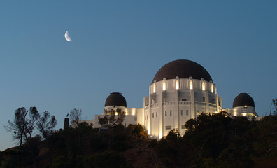 griffith park observatory at night